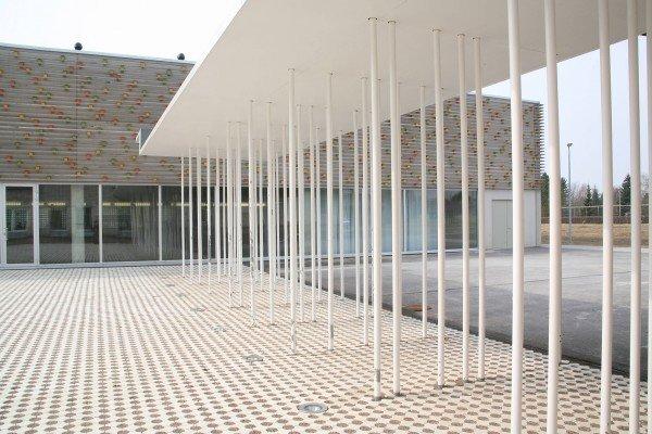 Suure-Jaani_courtyard