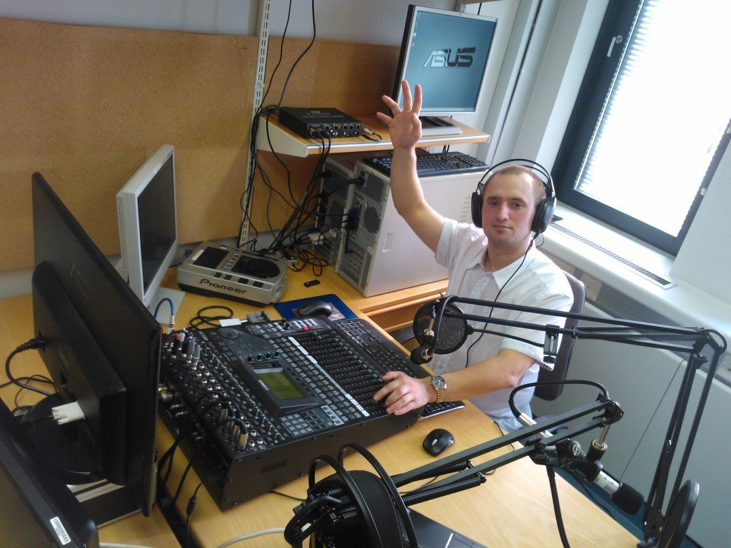 Used Bedroom Set For Sale Estonians Set Up Their Own Radio Station In Finland