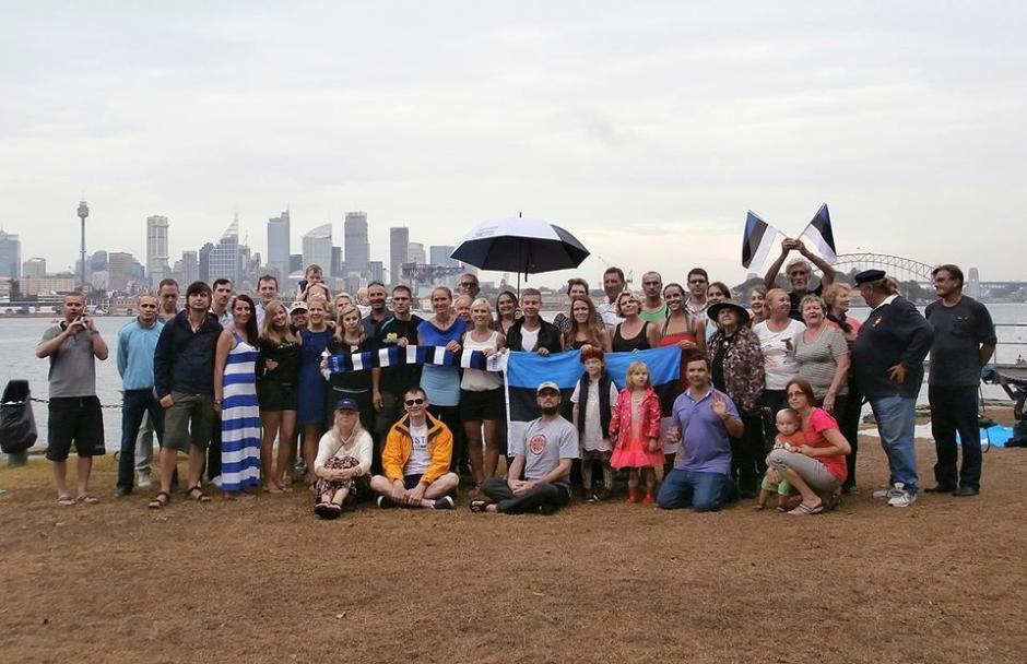 Estonians in Sydney celebrating on Clark island. Photo by Aune Vetik