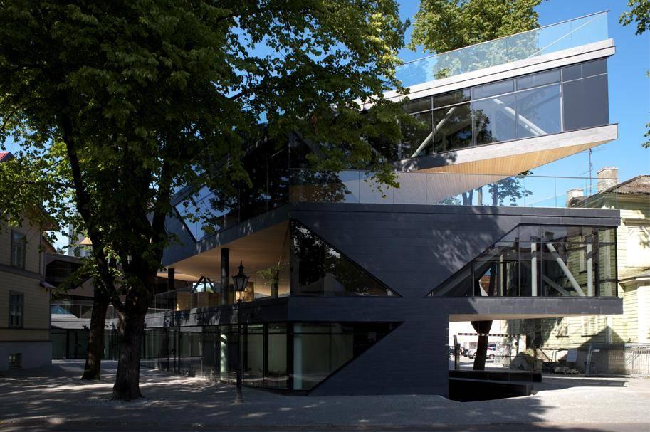 Commercial and Apartment Building on Aia Str inTallinn, AB Kosmos 2009. Photo: Paco Ulman