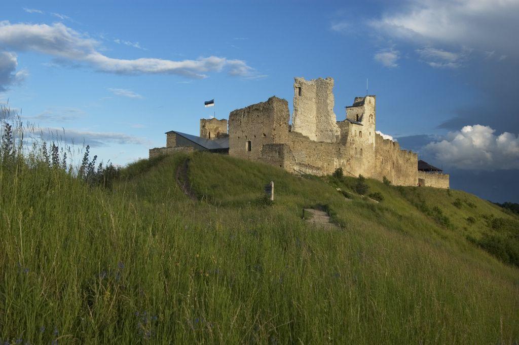 Rakvere Castle by Toomas Tuul