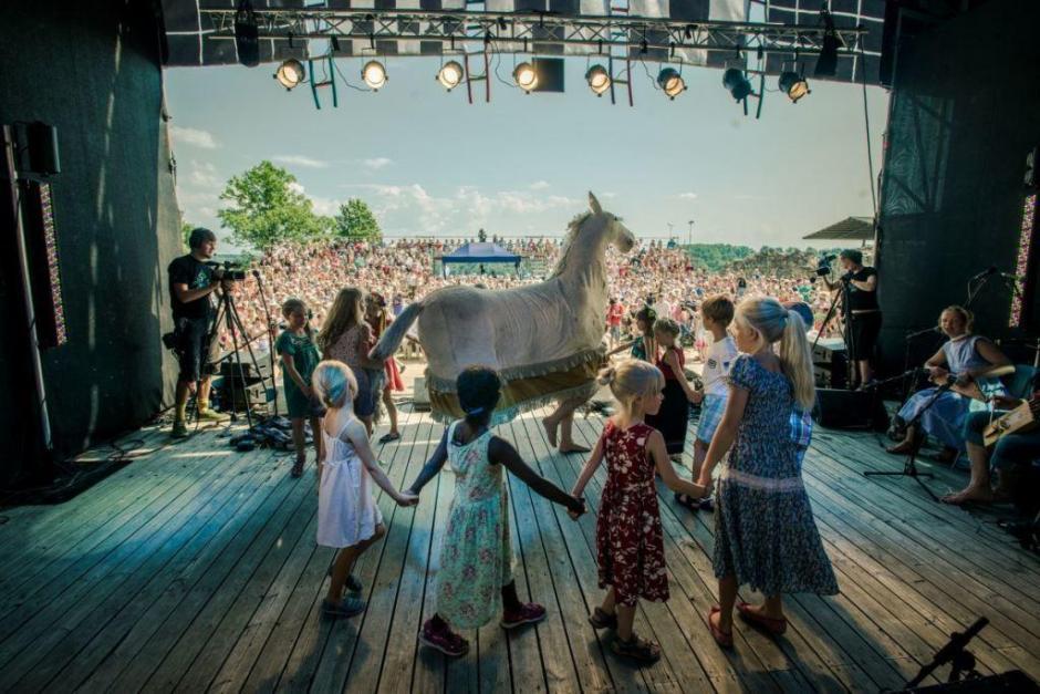 Folk Music Festivals 2019   MFW Music Festival Guide