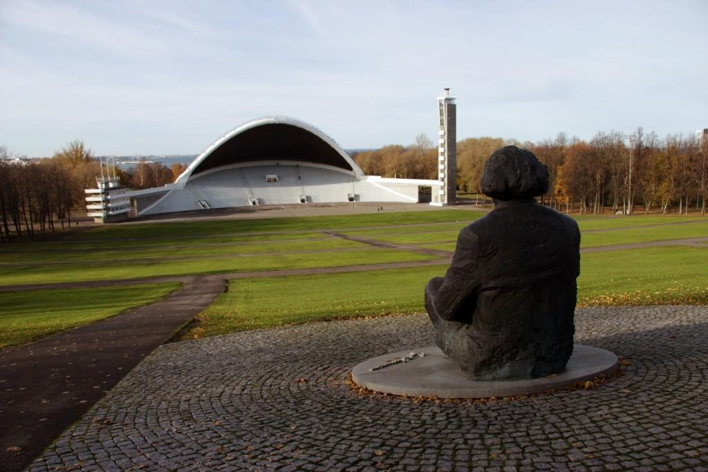 Gustav Ernesaks sculpture