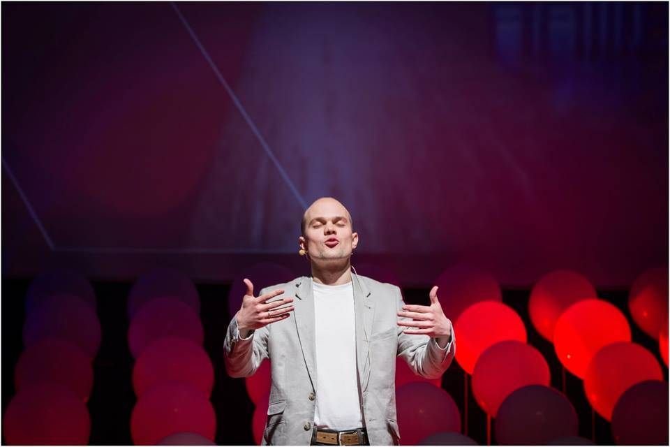 Photo, Jaan Aru asking Why do We sleep, Credits Sten Roosvald