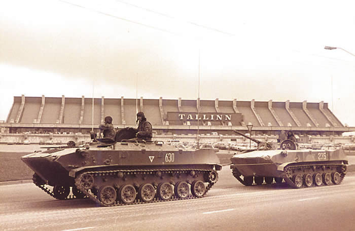 The Soviet tanks entering Tallinn on 20 August 1991