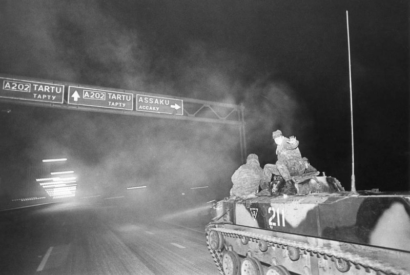 The Soviet tanks retreating from Estonia on 23 August 1991 Photo by T. Veermäe