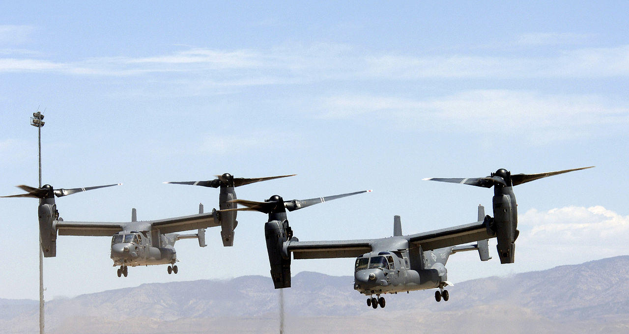 In order to effectively defend themselves, the NATO countries bordering Russia should have permanent NATO presence, both personnel and armoury. Pictured US Air Force V-22 Osprey multi-mission aircraft. Photo: US Air Force, public domain.