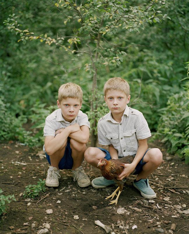 Braian and Ryan, by Birgit Püve.