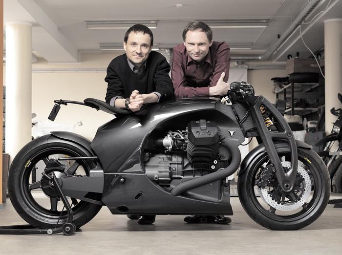 Kaarel Kivikangur (left) and Andres Uibomäe, engineers behind Renard. Photo by Jarek Jõepera.