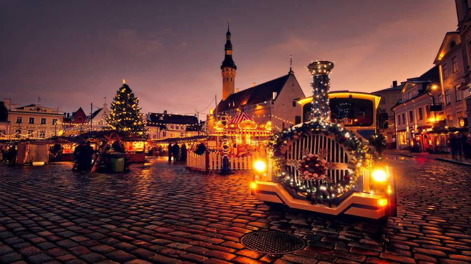Christmas by Gen Vagula