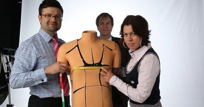 Maarja Kruusmaa with Fits.me robot