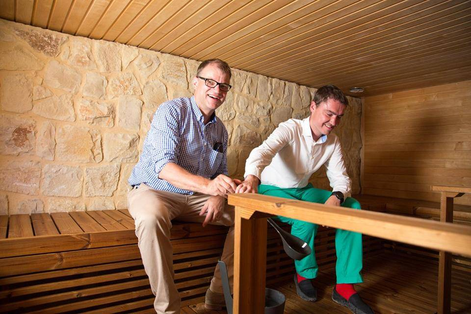 Taavi Rõivas with Juha Sipila visiting a sauna in Lebanon
