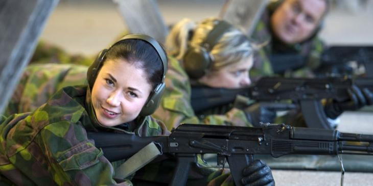 Finnish female soldiers