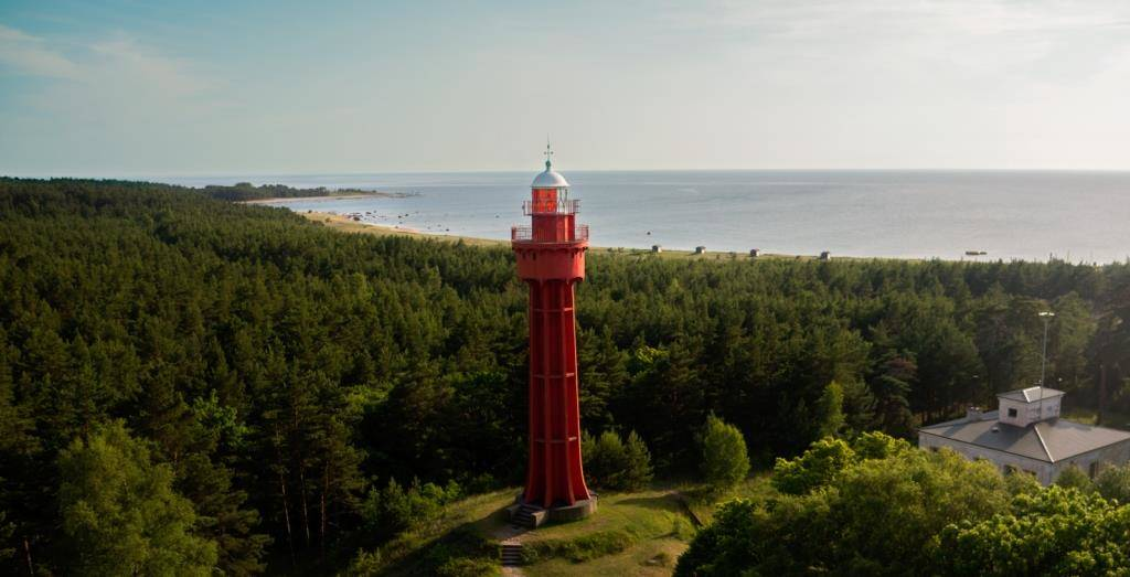 Ristna lighthouse and beach - Wikimedia Commons
