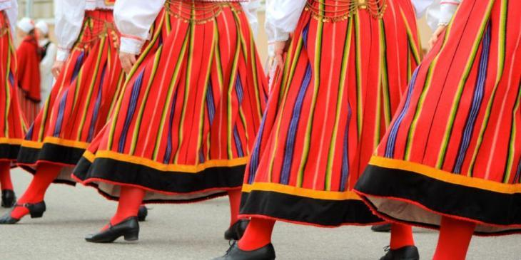 Fold dance tradition in Estonia - Photo by Katrin Winter
