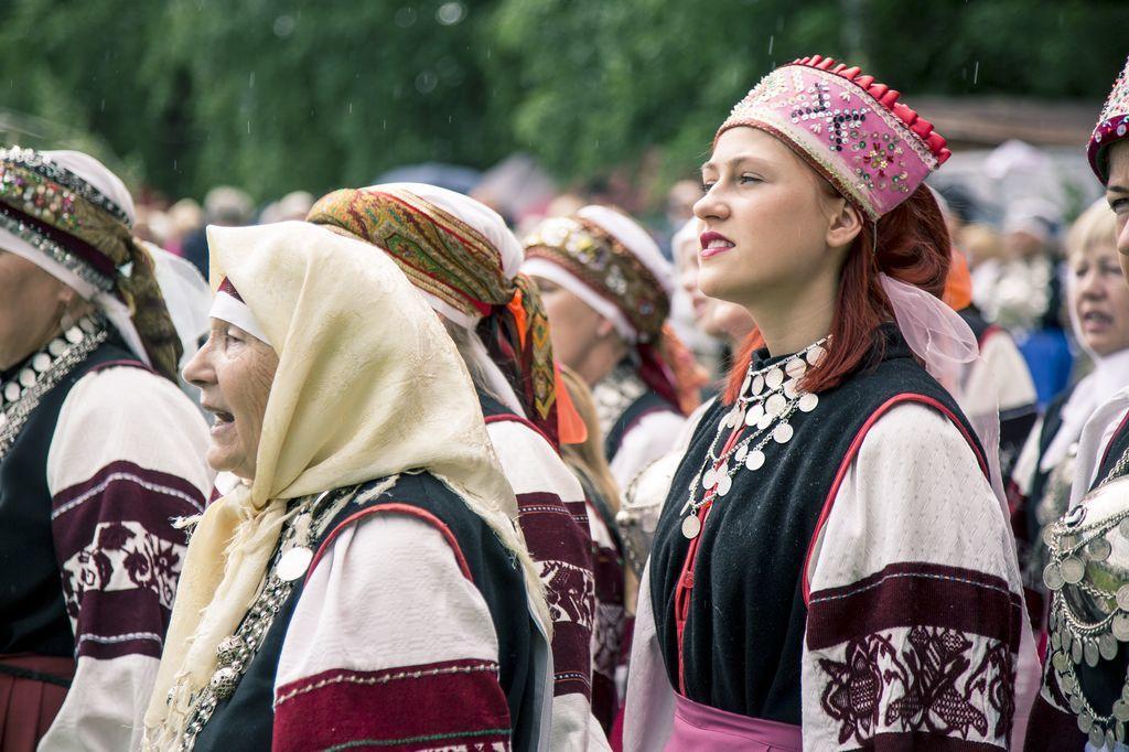 seto-folk-costume-photo-by-kaspar-orasmae