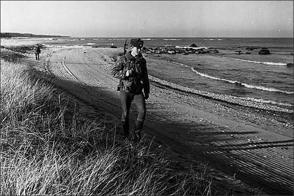 Soviet border guards in Hiiumaa island, Estonia - photo courtesy of Arno Kuuse