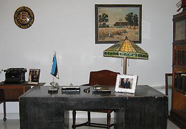 Ernst Jaakson's cabinet