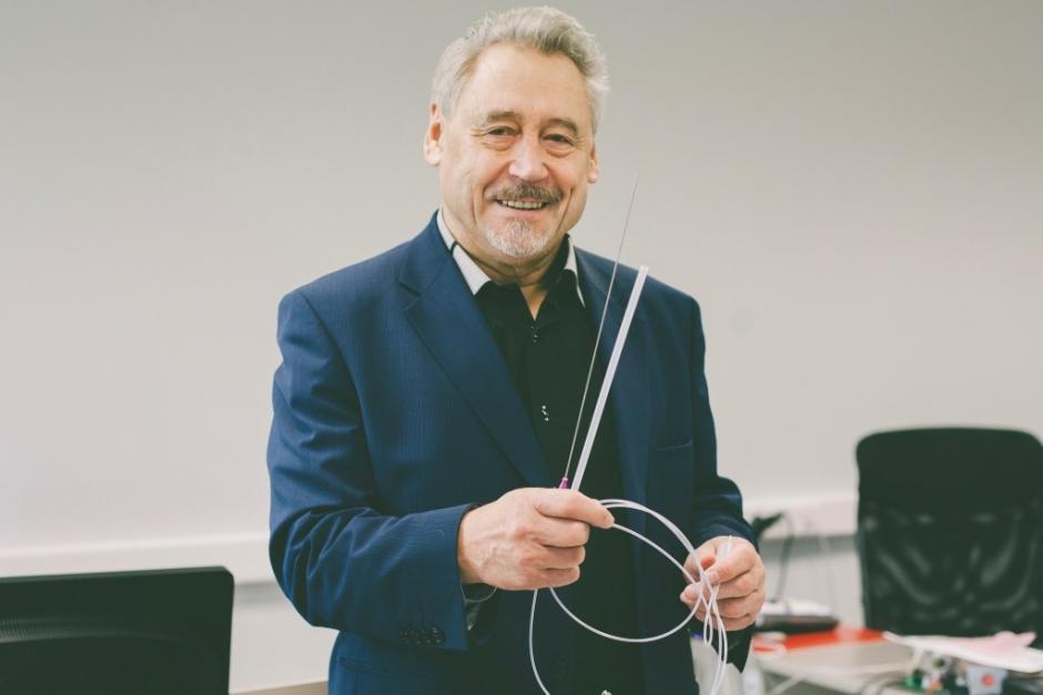 professor-mart-min-is-showing-medical-catheter