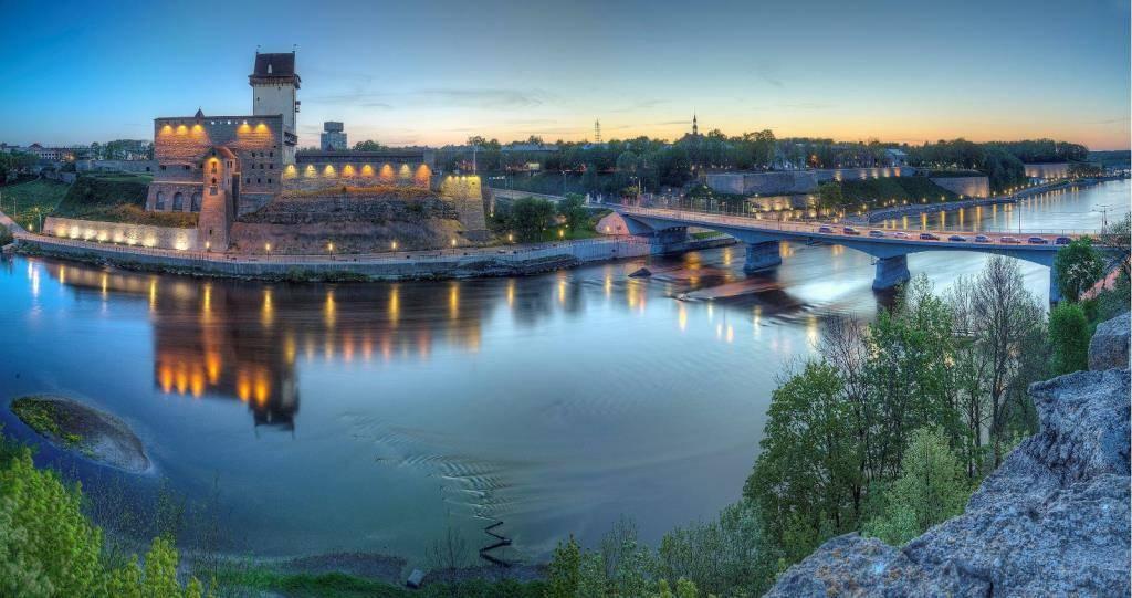 Narva river promenade - Visit Estonia