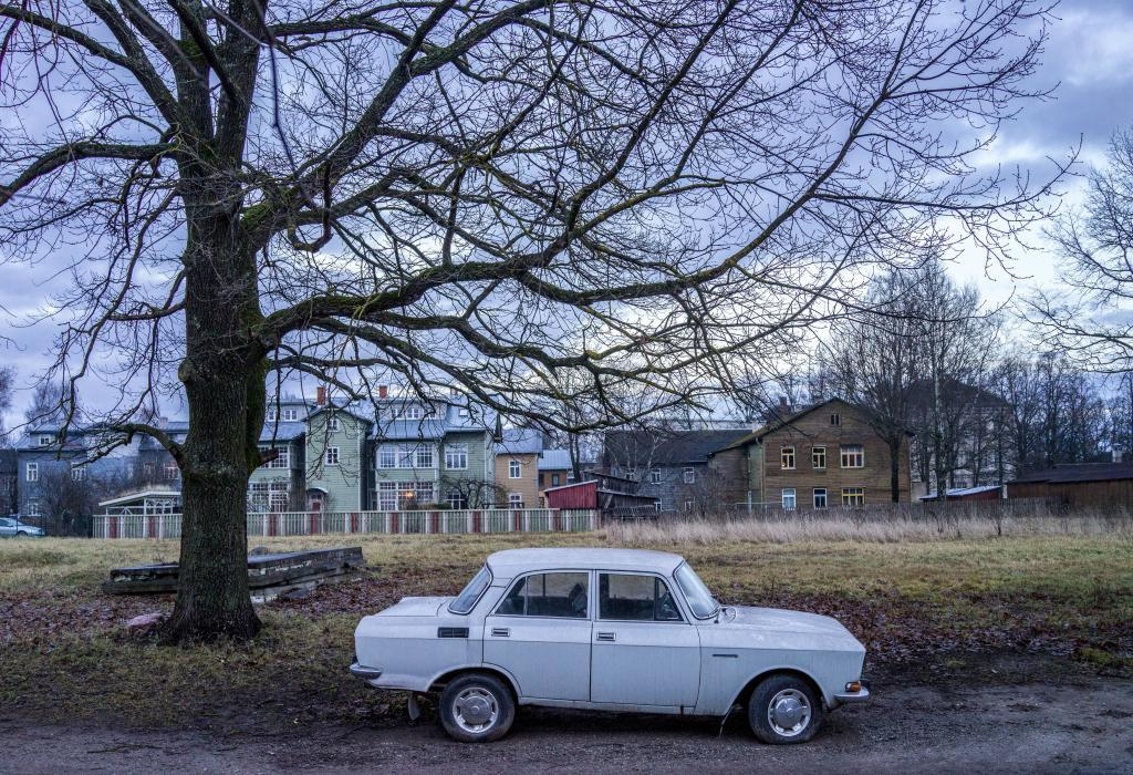 Vaksali, Tartu. The quiet beauty of unclaimed pieces of land in otherwise tightly built up central part of the town. The knowledge of the approaching build up looming in the future adds to the overall aesthetic pleasure.