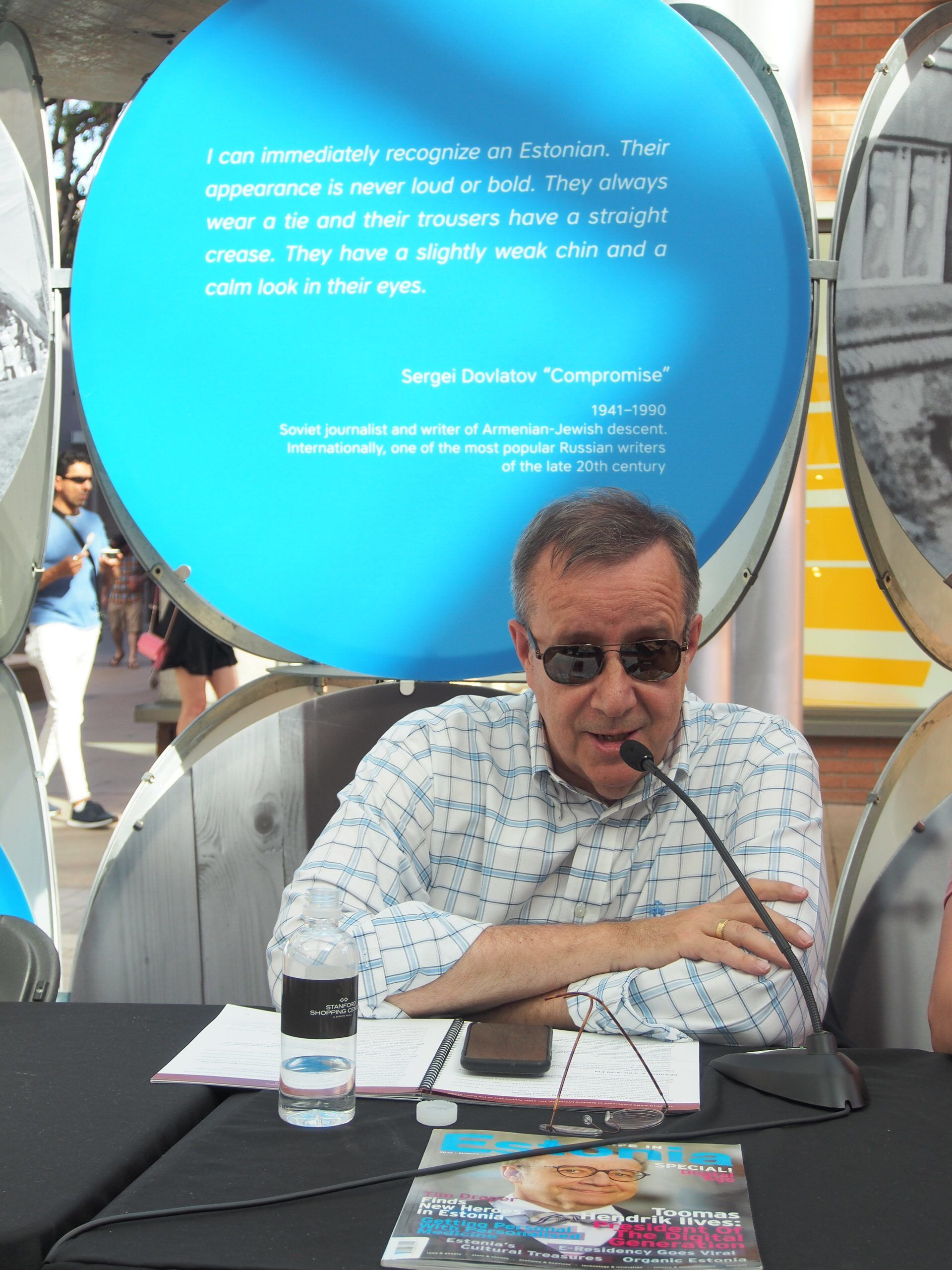 The former president of Estonia, Toomas Hendrik Ilves, at the AABS Conference session held at the travelling exhibition. Photo by Ede Schank Tamkivi.