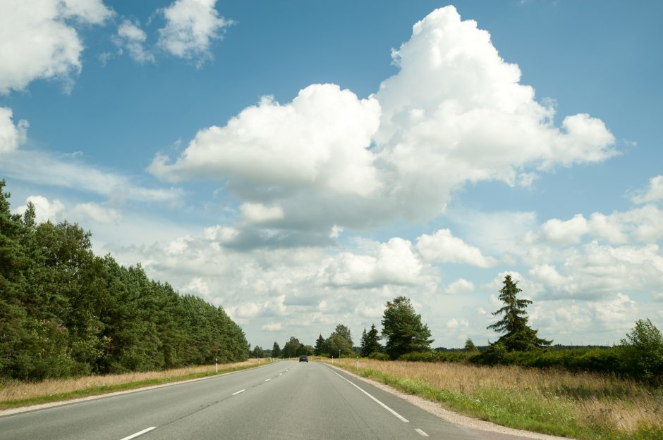 An empty country road in Estonia. Photo by Ingrid Hankewitz