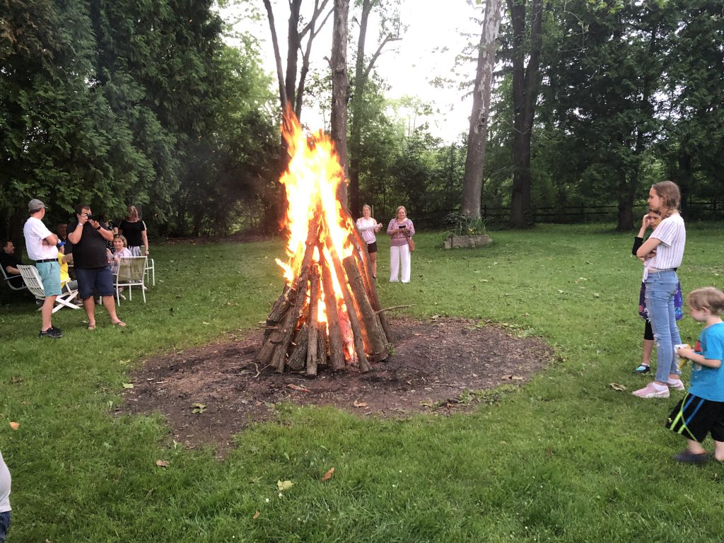 And the fire has been lit! Photo by Sten Hankewitz.