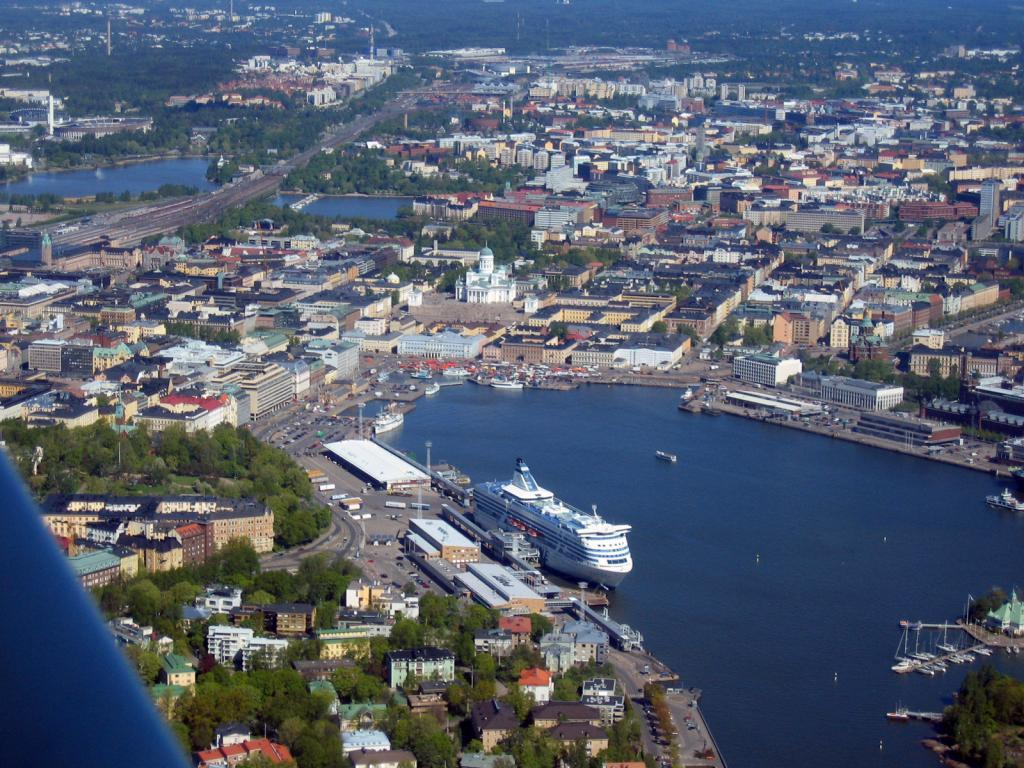 An aerial view of the Port of Helsinki, the main gateway for Estonians visiting Finland. Photo by Henri Bergius, shared under the CC BY-SA 2.0 licence.
